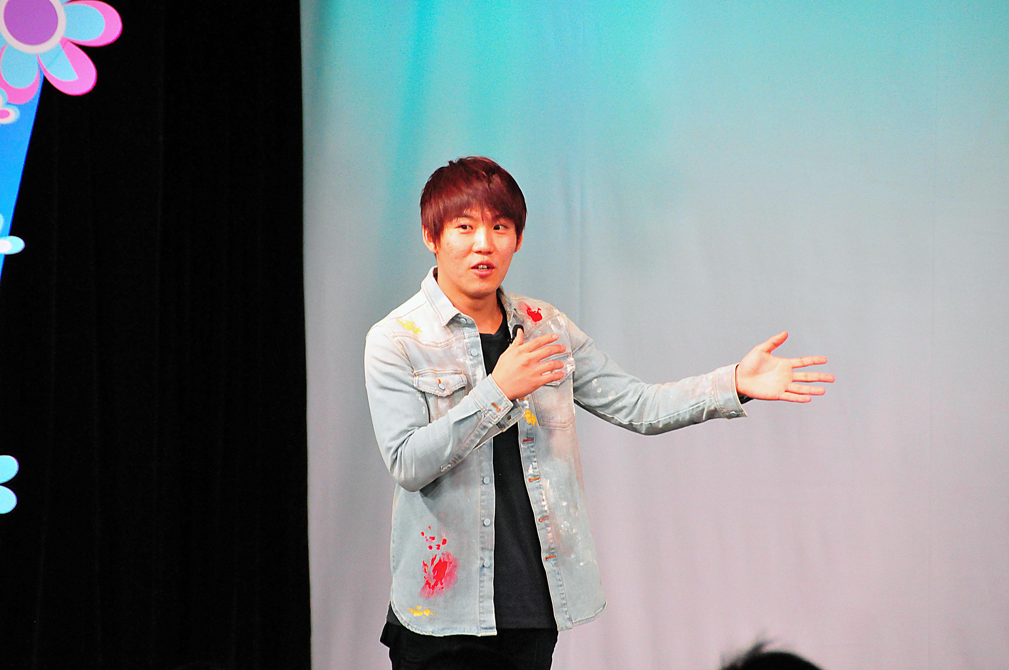 http://news.yoshimoto.co.jp/20151230192642-561db5505aa7c12524423473079eb4dc99ff2314.jpg