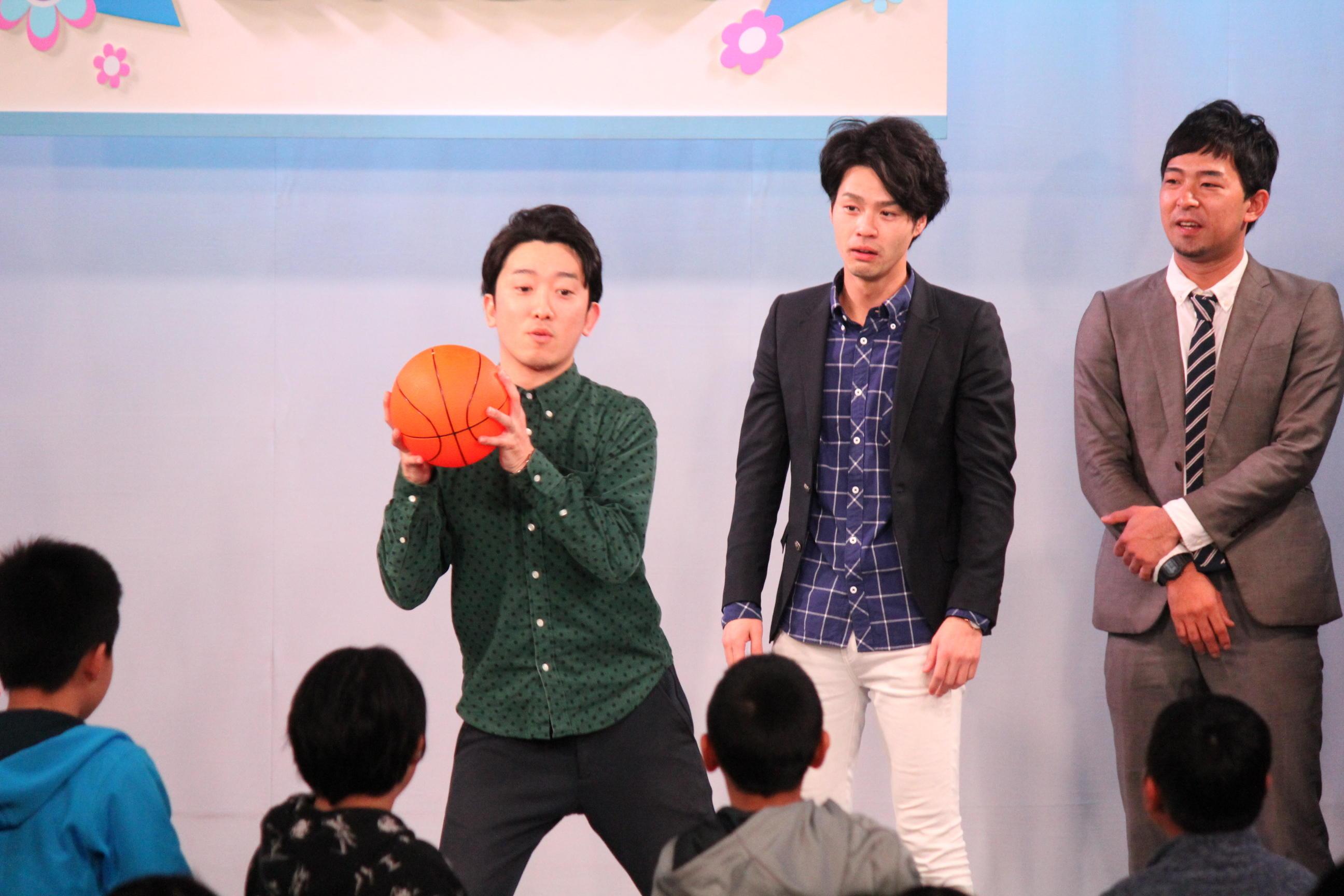 http://news.yoshimoto.co.jp/20151231210443-de7865b4b0f923c62073230f1713cb179d052666.jpg