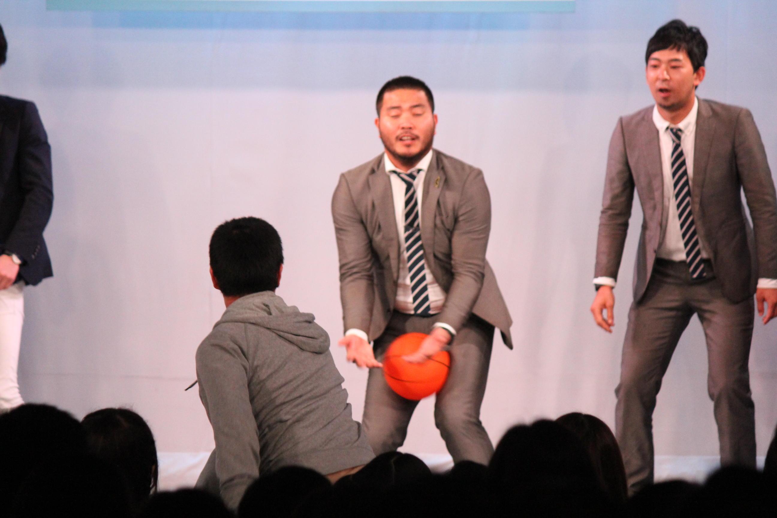 http://news.yoshimoto.co.jp/20151231210510-649daf9a09b3adacd90ac858380c043eadc9043a.jpg