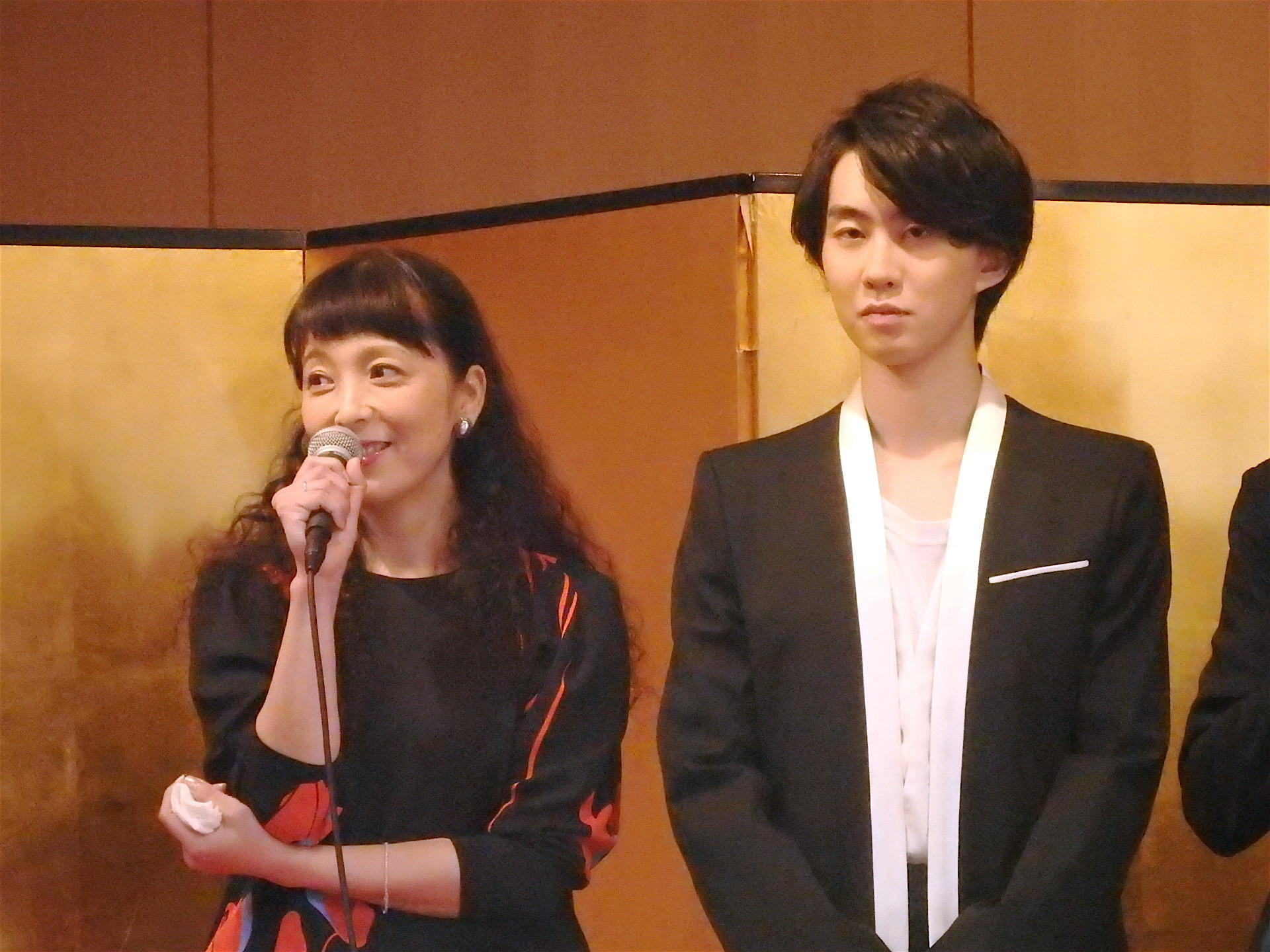 http://news.yoshimoto.co.jp/20160930193512-eb02bc01fa147bb9b272296f6ce30711137fa963.jpg