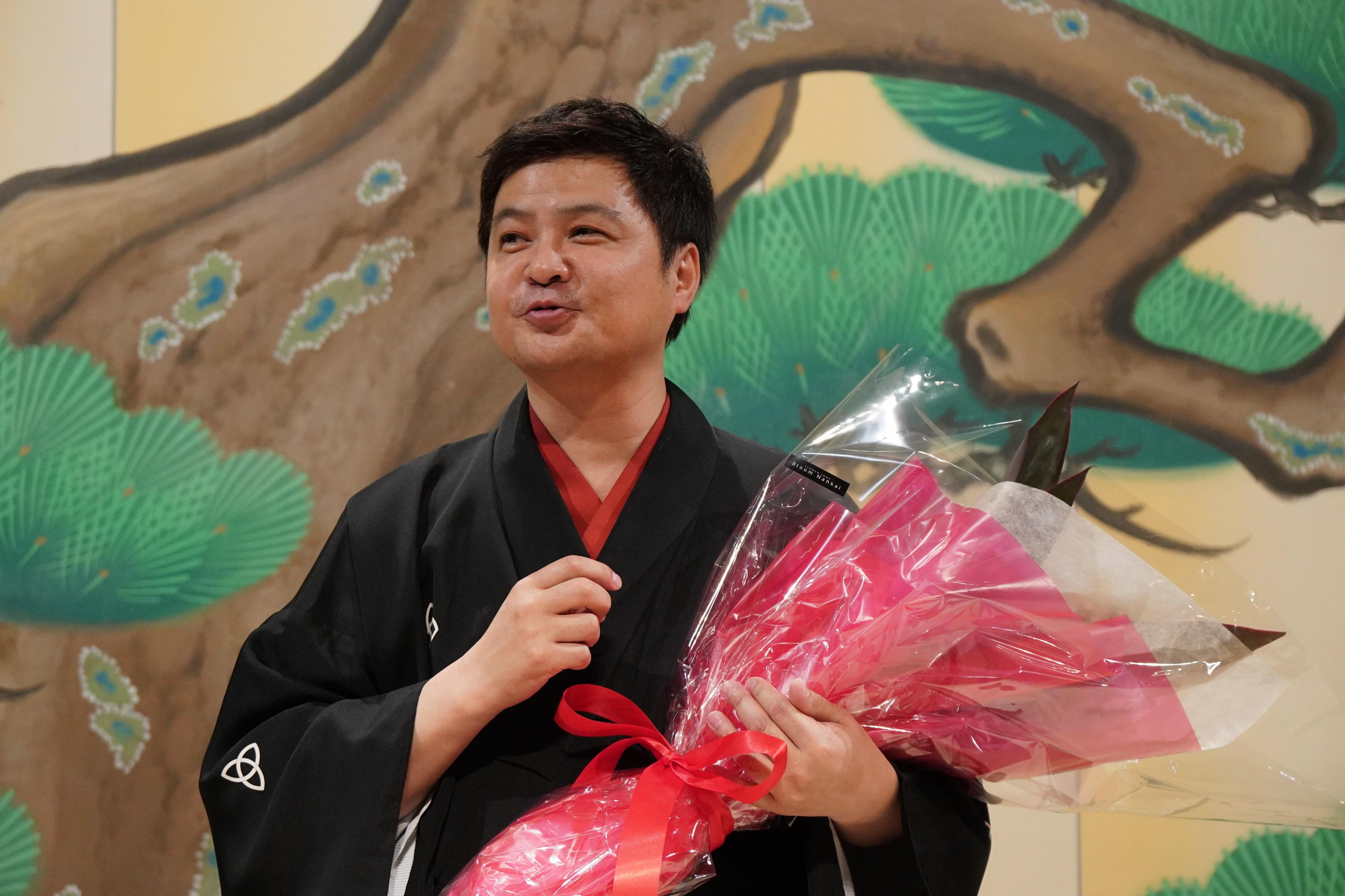 http://news.yoshimoto.co.jp/20180512205434-b9a253ba7d226851b826bc857a00345d9c9a4157.jpg