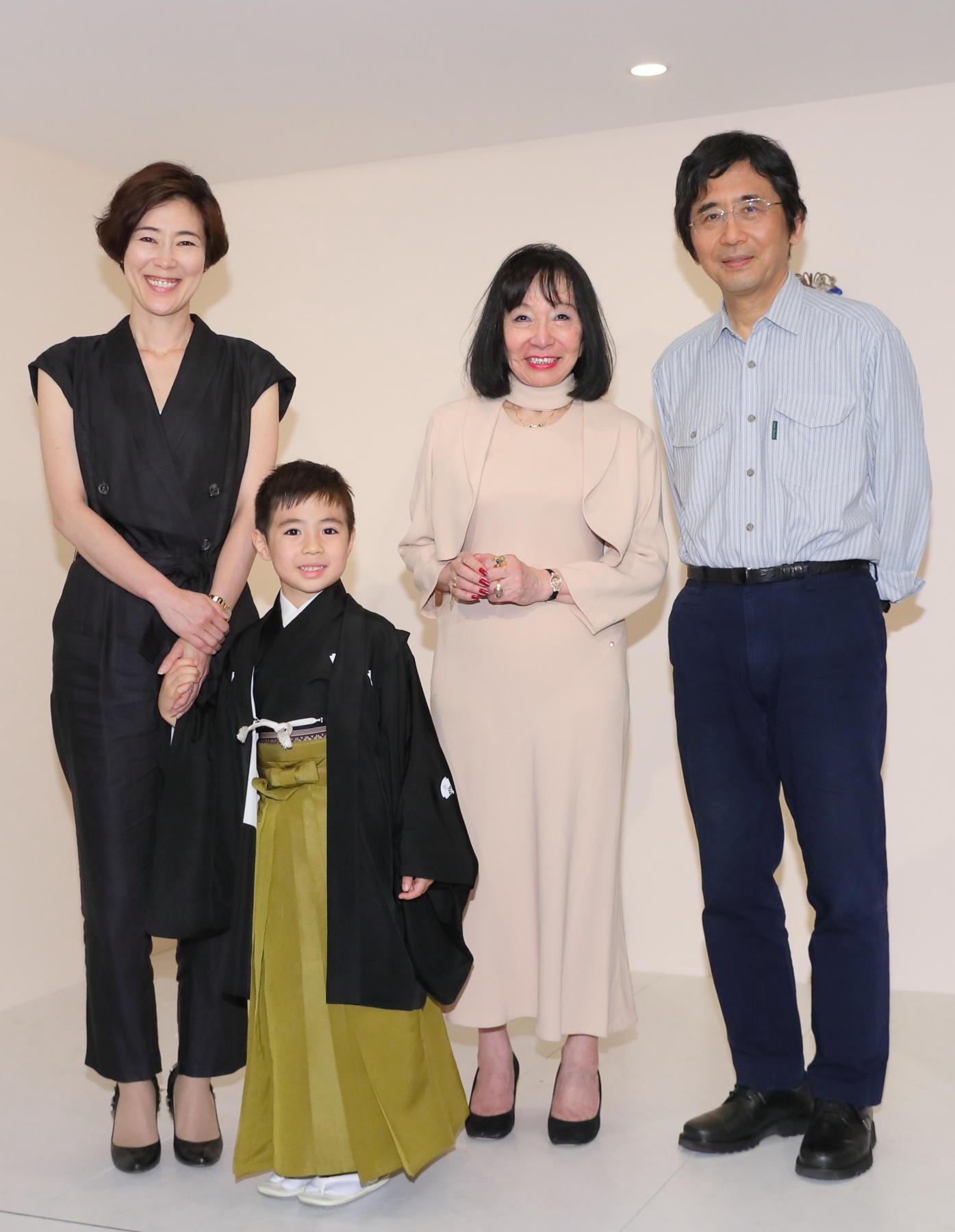 http://news.yoshimoto.co.jp/20180609152447-bb46e7d0285b7705bd78f0ab18cc691dd515955b.jpg