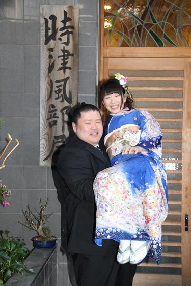エリ 小泉 小泉エリ 安治川親方との結婚の決め手は?に「立ち合いのスピード」―