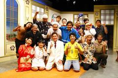 かりゆし58・前川さんも熱唱でムードは沖縄一色! 第3回おきなわ新喜劇ツアー『世界ヤッケームン大会』東京公演