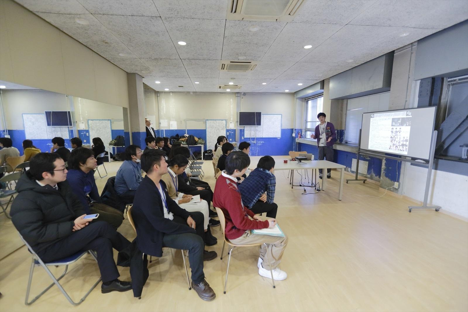 http://news.yoshimoto.co.jp/photos/uncategorized/2014/12/26/20141226164001-d3e4bd8366c902f2e53bce0c21a7d232d8199ccf.jpg