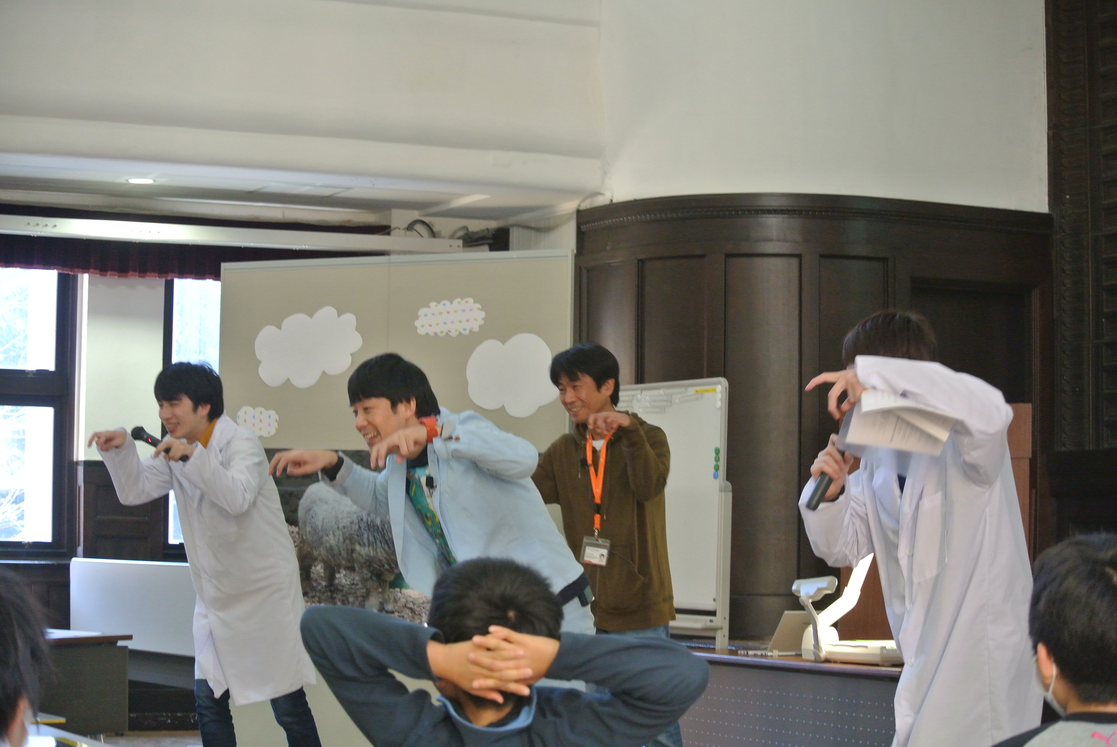 http://news.yoshimoto.co.jp/photos/uncategorized/2014/12/30/20141230184954-043750348d5ec21f6ed69e16091339b0ef6f11e3.jpg