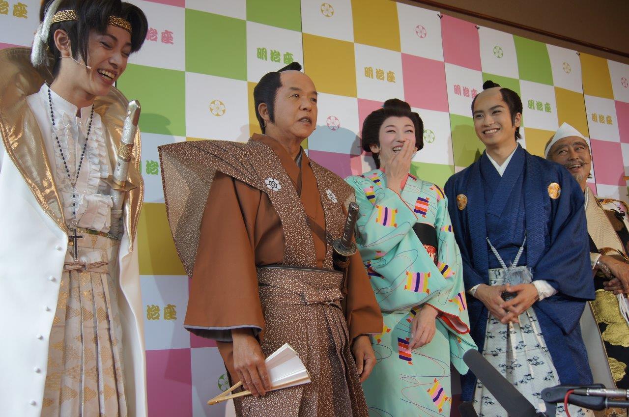 http://news.yoshimoto.co.jp/photos/uncategorized/2015/05/29/20150529172928-e59daca54db6965b8e454d7598f57ce86e44075b.jpg
