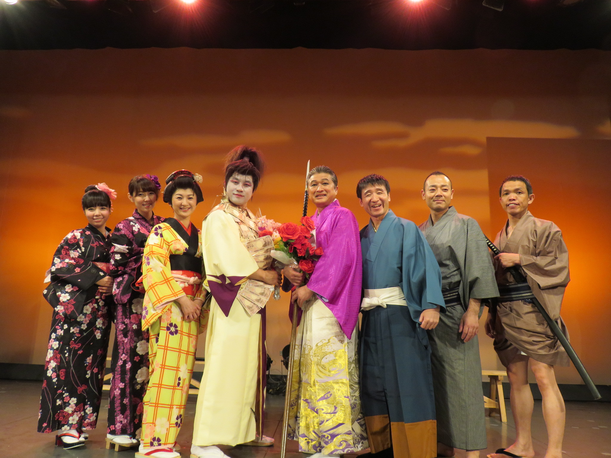 http://news.yoshimoto.co.jp/photos/uncategorized/2015/05/31/20150531134808-fbea1d84d10ececef58a298ebbaaeed30531616c.jpg