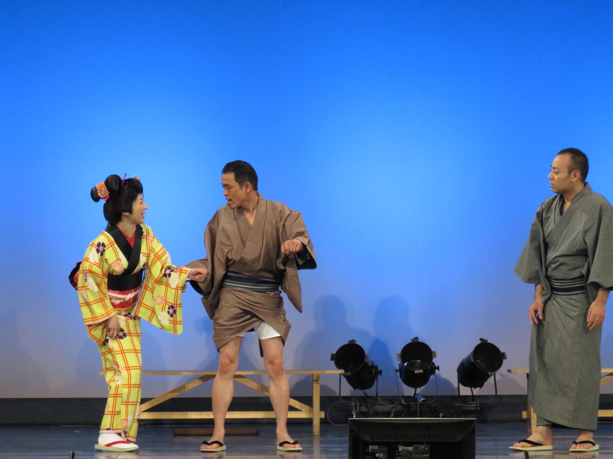 http://news.yoshimoto.co.jp/photos/uncategorized/2015/05/31/20150531135800-a7f70bfc77f4354215539ce697d5e9cd898f82ef.jpg